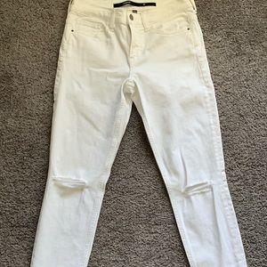 NWOT Francesca's Distressed jeans